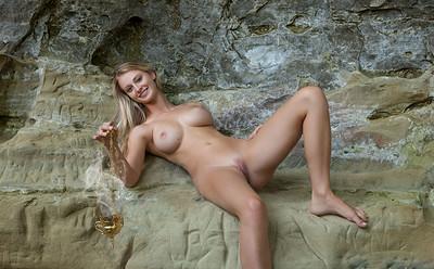 Carisha in Sweet Scent from Femjoy