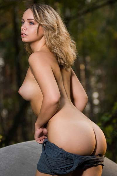 Stunning Lydia J erotically displays her fantastic round boobs