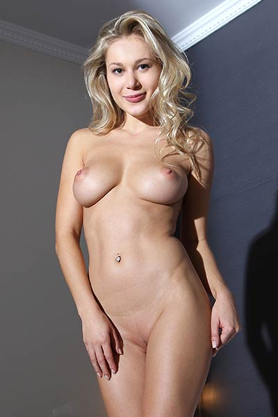 Check out this amazing all natural attributes of this astonishing blonde hottie