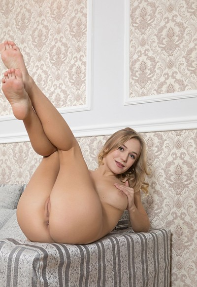 Vika P in I Make Your Day from Femjoy
