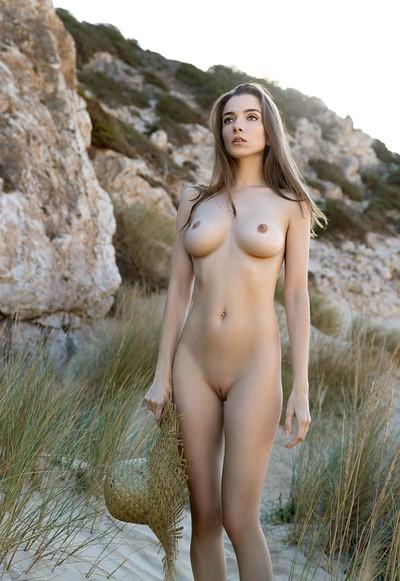 Mariposa in Dunes from Femjoy