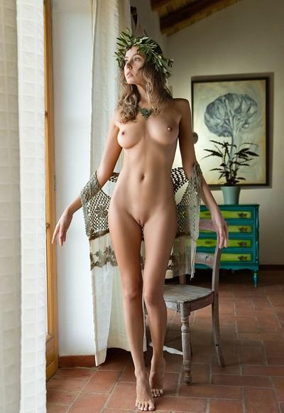 Clover in Aphrodite from Femjoy