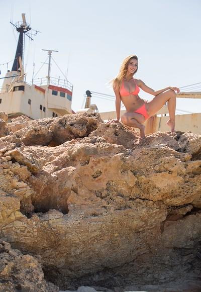 Rena in Rock Me from Femjoy