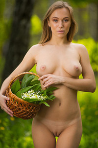Vika P is getting naked and posing like that in the forest