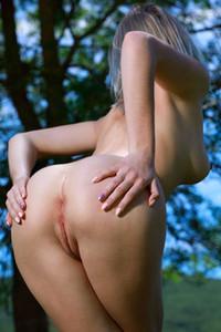Carolina K enjoying her day off totally naked in nature